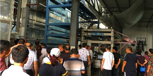 Fifty dealers from Shaanxi Province visited our factory